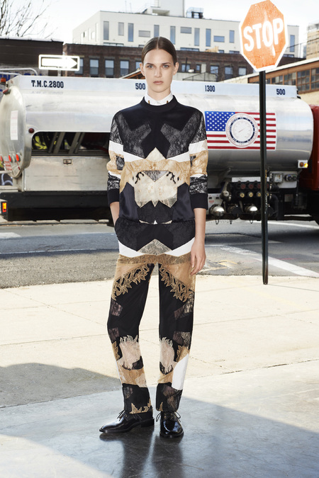 givenchy_004_1366.450x675