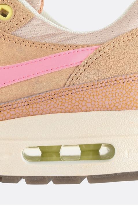 nike-wmns-air-max-1-metallic-pink-51