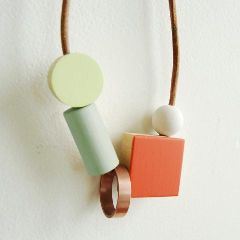 Square_Bloc_pendant_coral_2_sq
